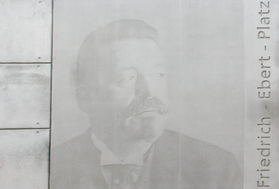 Friedrich-Ebert-Platz Frontansicht Fotomatrize